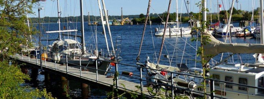 Kiel-Holtenau - Hafen an der Schleuse