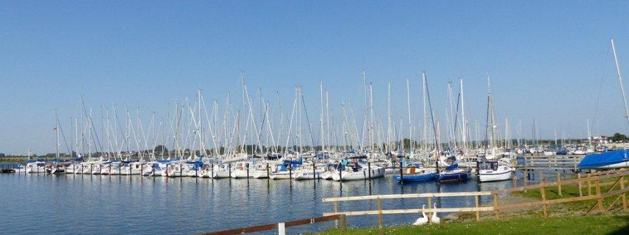 Charterbasis Yachthafen Burgtiefe